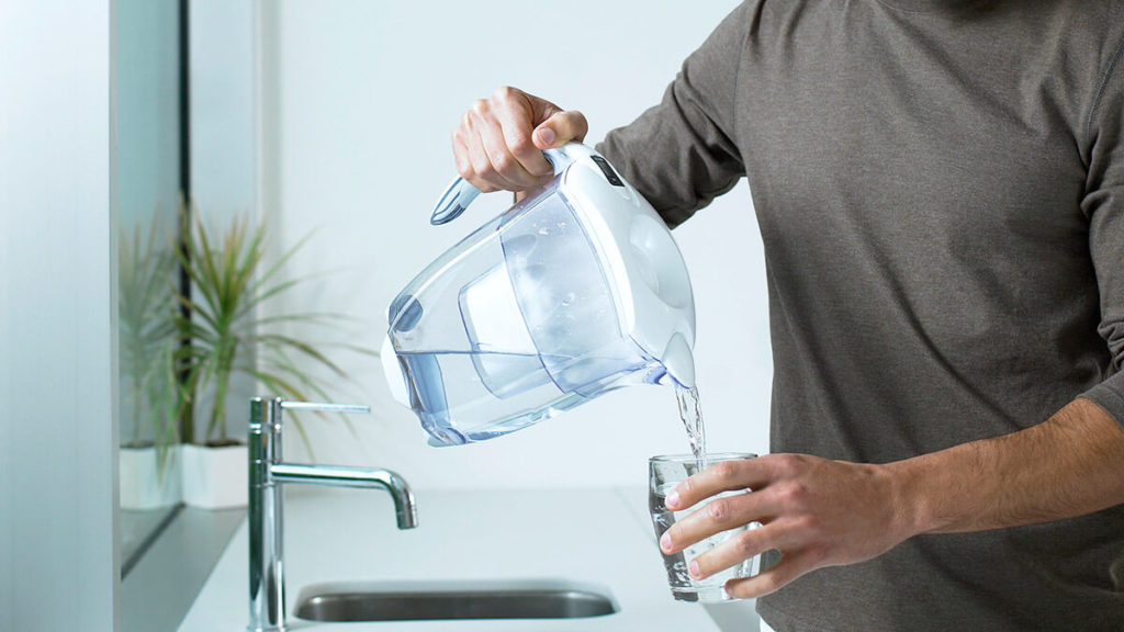 water filter vs bottled water cost